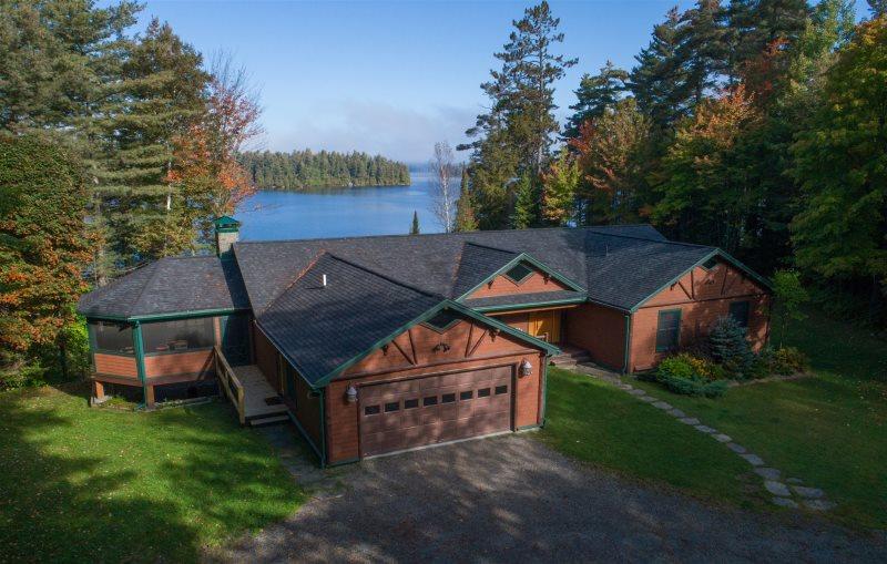 Stupendous Lakefront Sleeps 20 Upper Saranac Lake Adirondack Lake Home Interior And Landscaping Mentranervesignezvosmurscom