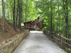 2 Bedroom Vacation Cabin Rental Near Lake Burton