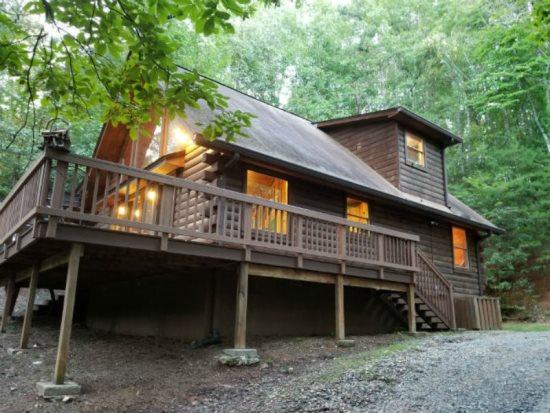 Helen, GA Cabin Rentals   Goldmine Cabin   Rustic & Romantic 3 ...