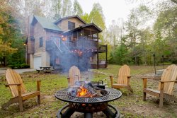 Down By The River - Idyllic & remote riverfront cabin with hot tub, fire pit, and easy river access near Helen