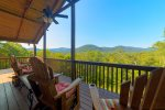 Lazy Bear Lodge - Spacious mountain cabin with spectacular mountain views close to Helen