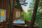 Hot Tub with view of Mount Yonah