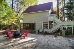 Bell's Creek Garden Cabin - Charming creekside property with hot tub in downtown Helen