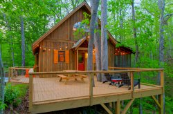 Camp Bell at Twin Rivers - Peaceful rustic cabin with fiber optic wifi and fire pit in an idyllic riverfront community on the Soque River