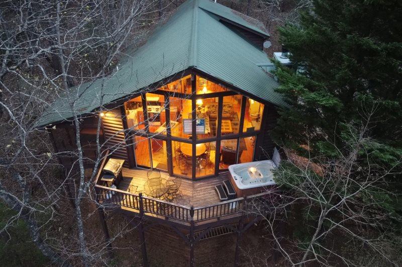 Helen, GA Cabin Rentals   No Stress   Great Rustic 3 Bedroom Cabin