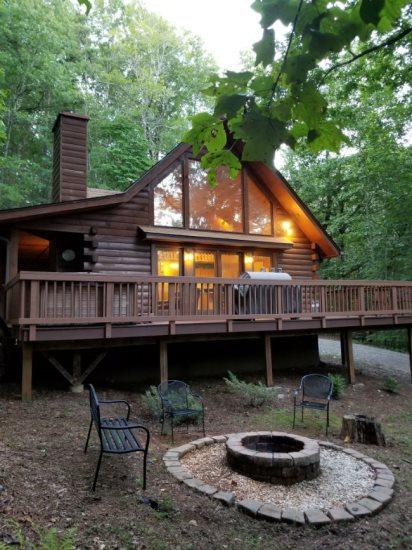 Helen Ga Cabin Rentals Goldmine Cabin Rustic Romantic 3 Bedroom Cabin