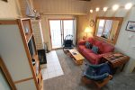 Enjoy this bright and cheery nautical themed unit right at Lake Superior`s feet.