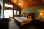 The master bedroom is a great place to relax and rest after a long day exploring the North Shore.