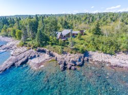 Highway 61 Revisited is a spacious vacation rental home located on the shore of Lake Superior between Two Harbors and Beaver Bay, MN.