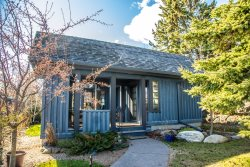 House of Light: Beautiful custom home in the heart of Grand Marais, MN.