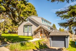 Hillside Harbor is a bright, clean home in Grand Marais, MN.