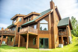 Caribou Highlands 625 is a Ski-in/Ski-out Poplar Ridge Townhome Near Lutsen Mountains