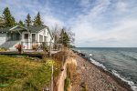Superior Shores 4 is a cozy one bedroom, one bathroom cabin on the shores of Lake Superior near Grand Marais, MN.