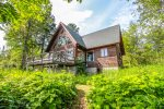 Sister's Cabin, located on the shore of Lake Superior in Lutsen, is a tranquil, homey cabin just minutes from hiking trails, skiing, boating, kayaking, golfing, biking and more.