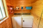 Coming for an extended stay, take advantage of the washer and dryer available at Sister`s Cabin.