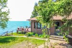 R and R is a 3 bedroom, 1 bathroom Lake Superior home in Lutsen, MN.