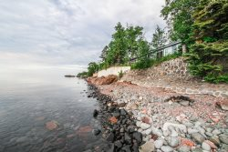Opels Shoreside is a popular bright and sunny cabin located on Lake Superior.