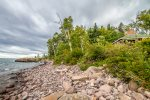 Brave Cove is an unplugged cabin on Lake Superior`s beautiful North Shore.