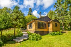 Minne Me a cabin rental on Lake Superior near Cascade River State Park