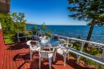 Stroll out onto the lake-facing deck to really enjoy the views of Lake Superior.