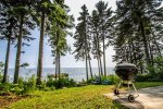 Grill up some burgers while listening to the waves lap against the Lake Superior shoreline.
