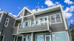 The memory-book Bluefin Bay experience. Go places. Do stuff. See things. Meet folks. Hunker down in 14A - kitchen, dining/living great room, fireplace, deck, 2 HD tv, AC, pools, spas.  The *youre-a-guest-in-our-Bluefin-Bay-home* milieu: Personalized deco