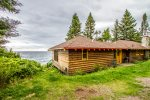 Table Rock is a Lake Superior Cabin located on Cascade Beach Road in Lutsen, MN.