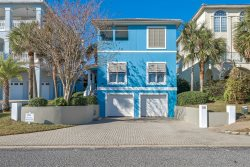 SPRING/SUMMER AVAILABILITY . Come to Destin, Private Pool, Pets, Optional Golf Cart, close to beach, also Large Community Pool,Tennis Courts and Sand VolleyBall, Sleeps maximum of 10.