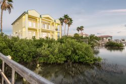 Island Breeze large with luxury to the MAX boat and fishing dock HEATED POOL amazing Sunsets