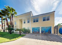 Padre Haven Gulf Blvd Luxury Villa with  heated Pool