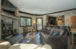 Southern Comfort - Gorgeous Remodeled Village at Breckenridge 3 Bedroom Condo - Ski-In/Ski-Out!