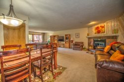 Cimarron Chalet - Huge Family Area with Coveted In-Town Location