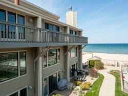 Harbours 36 - Beachfront Condo