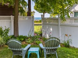 Bungalow 89 - South Beach just a minute walk away