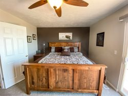 Completely Updated Lake View Condo 942 #3