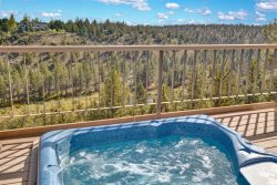 Dog Friendly- Getaway On the Deschutes River, Private Hot Tub