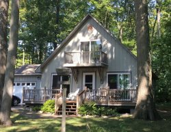 Available off-season for $1400 / month! Cute A frame with Duck Lake access, bikes and double kayak.