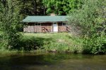 Massey`s River Retreat proximity to the River
