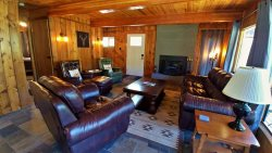 Woodford Cabin - Pet Friendly! - On the River - Beautiful Views - Wood Burning Fireplace