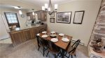 Claim Jumper Townhouse 5 Dinning Area