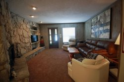 Claim Jumper Condo #7 - On The River And Fishing Ponds, In Town, Near The Ski Area, Free WiFi, Cable, Wood Burning Fireplace