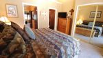 Claim Jumper Townhouse 14 First Upstairs Bedroom