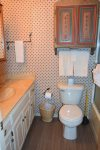 Claim Jumper Townhouse 20 Master Bathroom