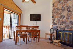 Riverbend Deluxe Condo #2 - In Town, On The River, Free WiFi, Cable, Wood Burning Fireplace, Three Story Townhome