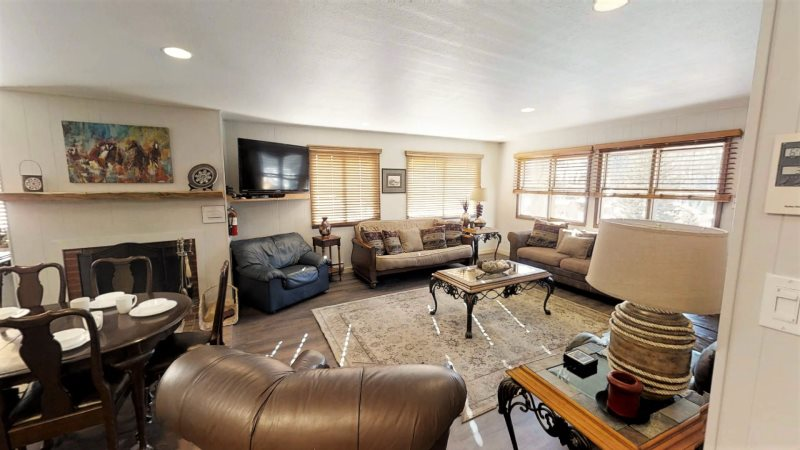 Red River Real Estate And Vacation Rentals Ski View Condo 2