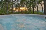 Enjoy the stunning view in the hot tub