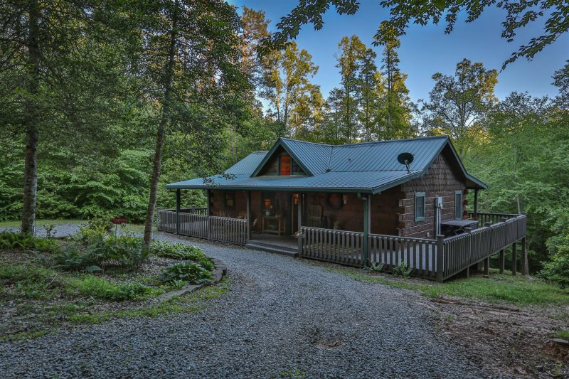 Cozy Couples Cabin With 2 King Master Bedrooms On The Main Level