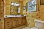 King Master bath with double vanities and shower/tub combo