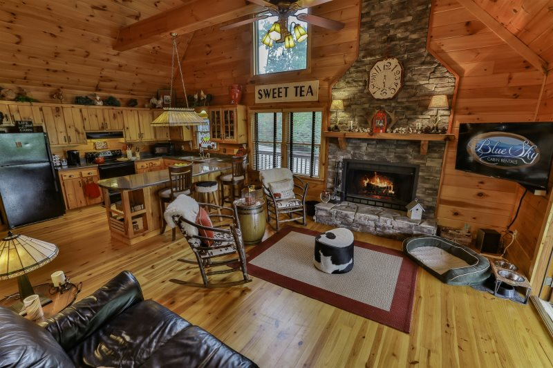 Blue Sky Cabin Rentals: The Toasted Marshmallow