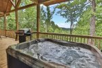 Hot tub with Mountain Views